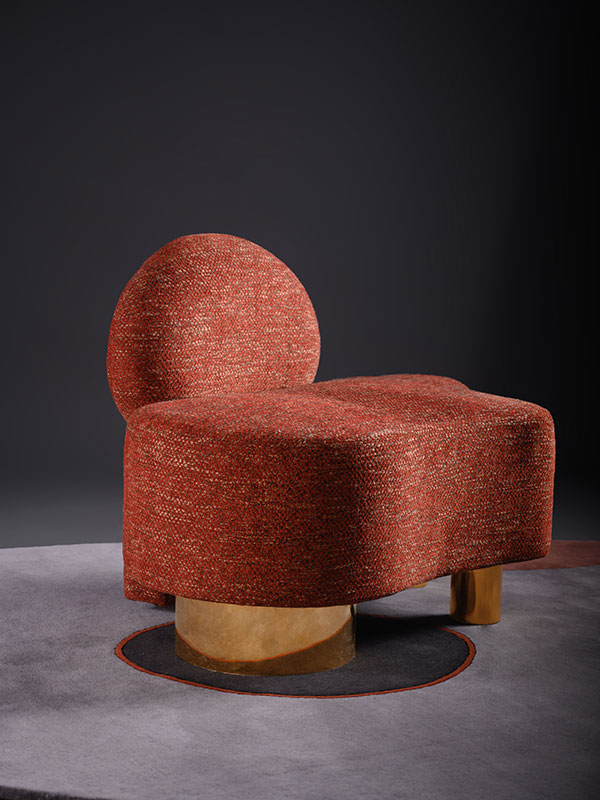 Voguish Chair