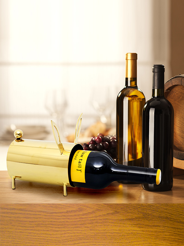 Golden Rabbit Frame Wine Holder