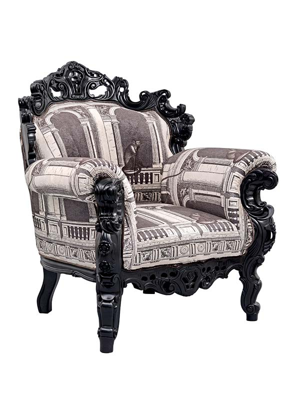 The Maharaja Luxury Chair