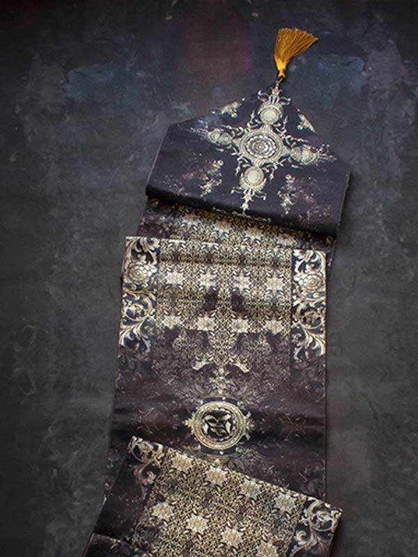 BAROQUE TABLE RUNNER
