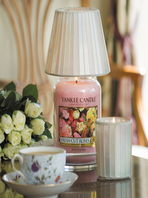 Fresh Cut Roses Candle Jar